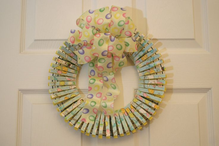 Easter Clothespin wreathCrafts Ideas, Candies Crafts, Clothespins Crafts, Easter Crafts, Spring Clothespins Wreaths, Easter Wreaths, Wreaths Ideas, Pinterest Crafts, Clothing Pin