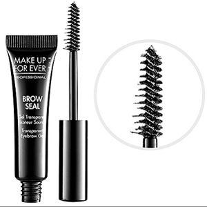 The secret to perfectly defined brows? No other than MAKE UP FOR EVER Brow Seal! Discover how it makes miracles on 21 of our MUAs by clicking on the pic.
