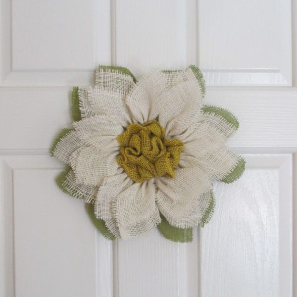Small White Burlap Sunflower Wreath - The Crafty Wineaux