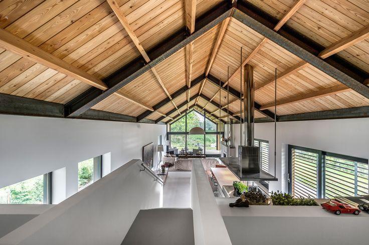 Living Space Natural Wood Cathedral Ceiling Open Floor Plan Modern Binnenhuisarchitectuur Huis Interieur Huis Ontwerpen