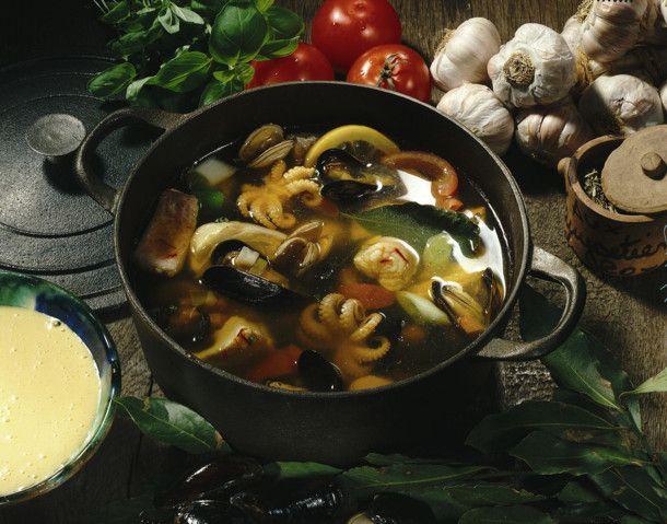 Unser beliebtes Rezept für Fischsuppe à la Bouillabaisse und mehr als 55.000 weitere kostenlose Rezepte auf LECKER.de.