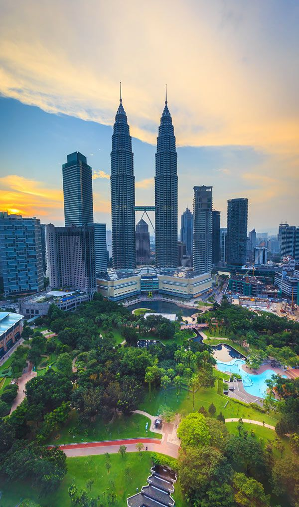 KLCC Park beside Petronas Towers | Kuala Lumpur In 24 Hours - 5 Things To Do In 1 Day In Malaysia's Capital | City Travel Guide | via @Just1WayTicket