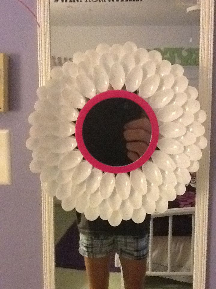 plastic spoon flower mirror diy crafts that i love