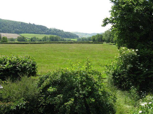 File:Meadows at Bridge End - geograph.org.uk - 867190.jpg - Wikimedia Commons