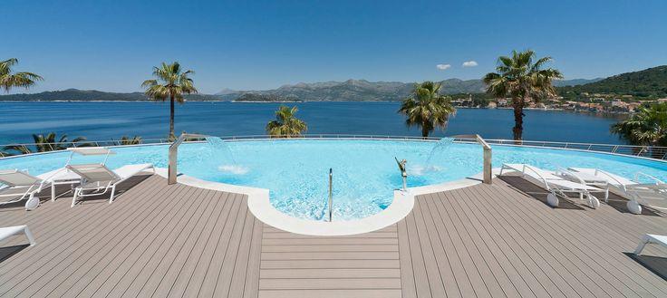 Amenajare Piscina deck relazzo Rehau R20-D678 Deck terase exterioare piscine de cea ma buna calitate, stabilitate dimensionala, rezistenta la intemperii, efort minim pentru inretinere si durata lunga de viata