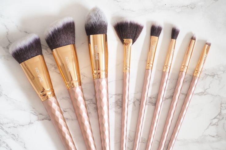 Laura Hadley | A Beauty & Lifestyle Blog: Rose Gold Brushes From Indy Luxe