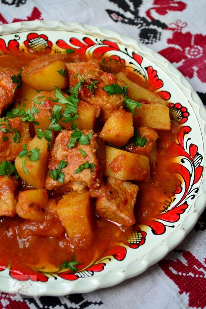 Gulas de porc cu cartofi - CAIETUL CU RETETE