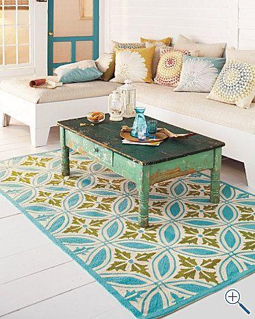 I tappeti colorati sono perfetti sia per gli esterni che