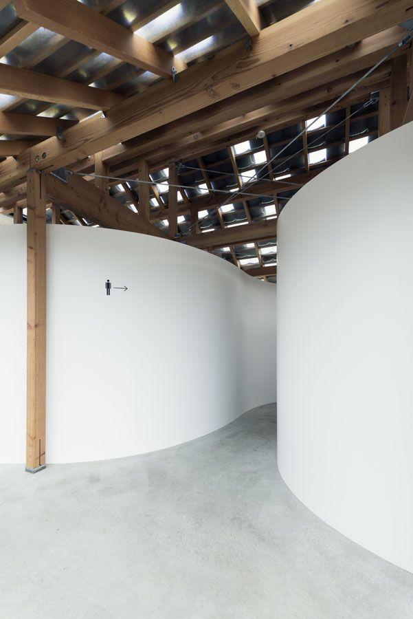 おおきな曲面のある小屋   Tato Architects – タトアーキテクツ / 島田陽建築設計事務所