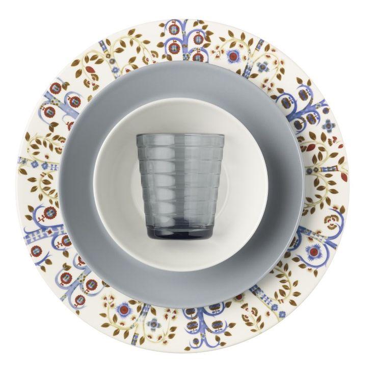 Het Taika-servies van Iittala heeft prachtige illustraties welke een inspiratie zijn voor fantasie en verhalen.