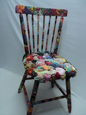 Cadeira com fuxico