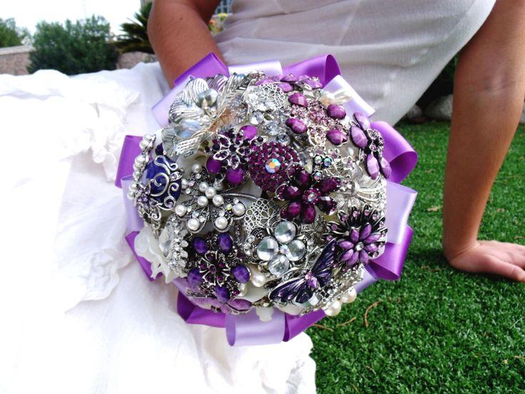 http://bouquetsposaoriginali.it/bouquet-da-sposa-di-gioielli/