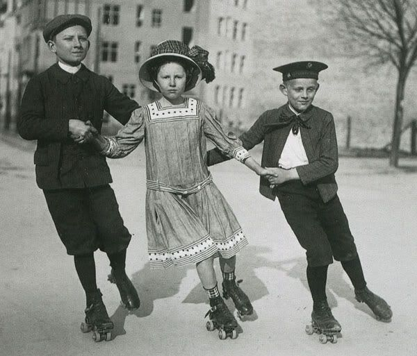 Germany, Berlin (1910). Photographer Philipp Kester.