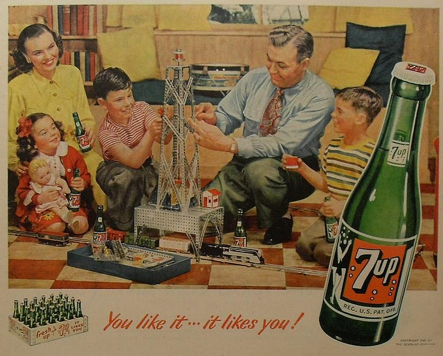 1940s VINTAGE seven up 7 Up Soda advertisement family playing with erector set and train set