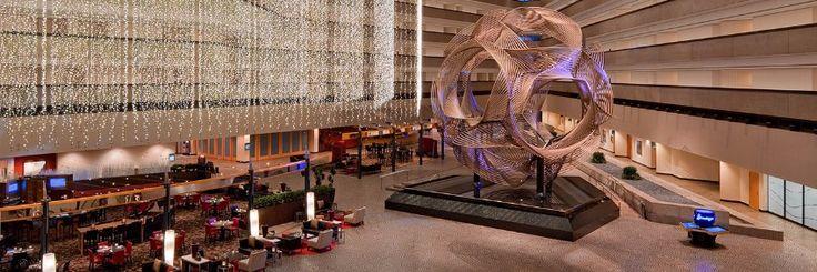 15 Amazing Luxury Hotel Lobbies Around the World   hotel interior design, luxury hotels   #besthotelprojects #hotelroomdesign #hoteldesign  See more:http://hotelinteriordesigns.eu/amazing-luxury-hotel-lobbies-world/
