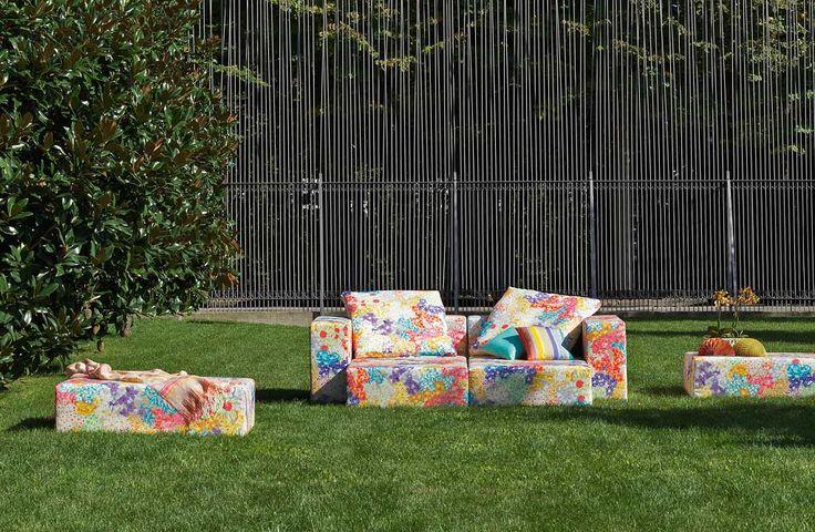 FLORAL GALAXY ΕΞΩΤΕΡΙΚΟΥ Modular ΕΣΚ καθίσματα και μαξιλάρια ΣΕΥΧΕΛΛΕΣ λουλούδια, ρίγες Σαμαρκάνδη ».  Καρό SPRING λινό-lurex.