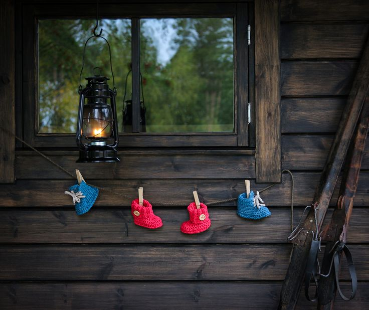 #virkkaus #handwork #crochet #vauvantossut #babybooties #koukkujapuikko #hookandneedle