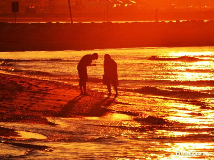 Dicono che lo iodio faccia bene, dicono che camminare al mattino in riva al mare…