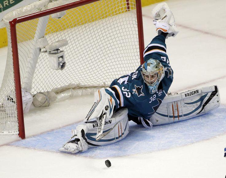 San Jose Sharks goaltender Alex Stalock makes one his 30 saves for his third career NHL shutout (Oct. 11, 2014)