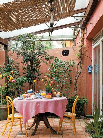 Querido Refúgio - Decoração: Um jardim caipira e rústico