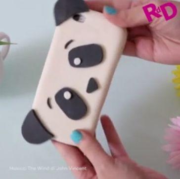Ecco il tutorial per realizzare una simpaticissima cover a forma di panda!