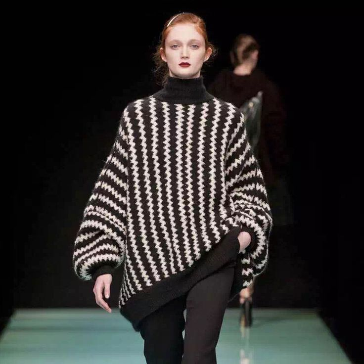 2017 Herfst winter zwart/wit golven Gestreepte Vrouwen Coltrui Mode Lange mouw Losse Truien en pullovers breigoed(China (Mainland))