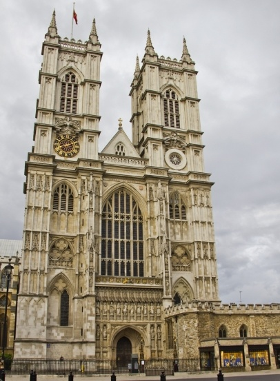 Westminster Abbey, London - where JC and I accidently ran into a knighting ceremony and saw the Queen, Prince Charles and Camilla on the first day of our honeymoon :)