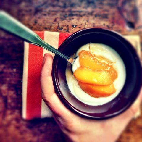 Bourbon-Poached Peaches www.7b9b.com | Se7en's a Banquet, 9ine's a Br...