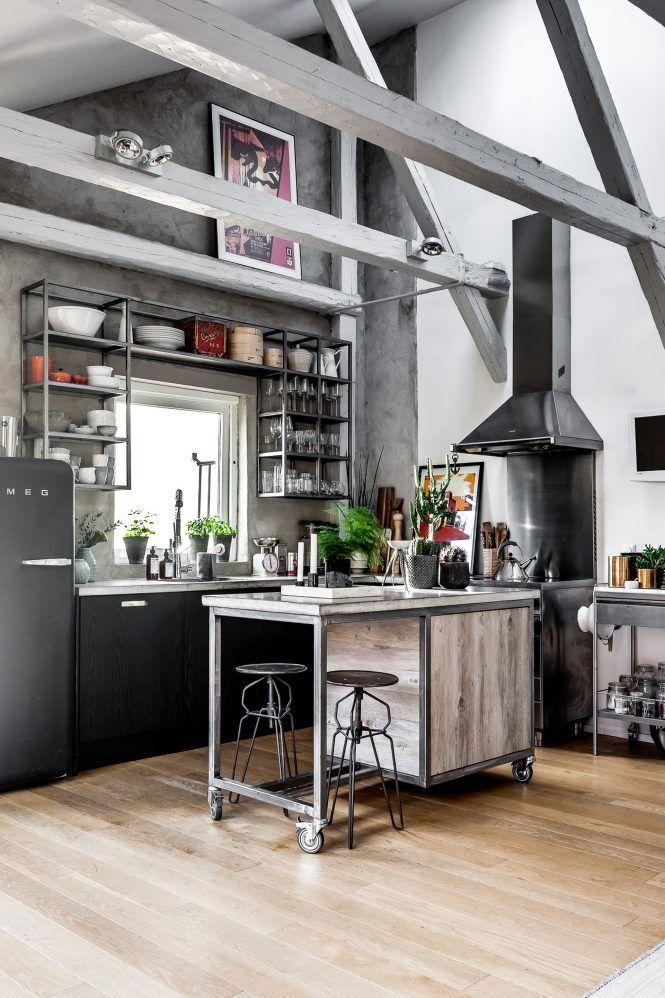Post: Ático con aires de loft industrial --> cocina acero inoxidable, cocina industrial, decoración abierta, decoración atico, decoración interiores, diseño interiores, distribución diáfana, loft, decoblog, stylish, home decor, interior design, scandinavian design