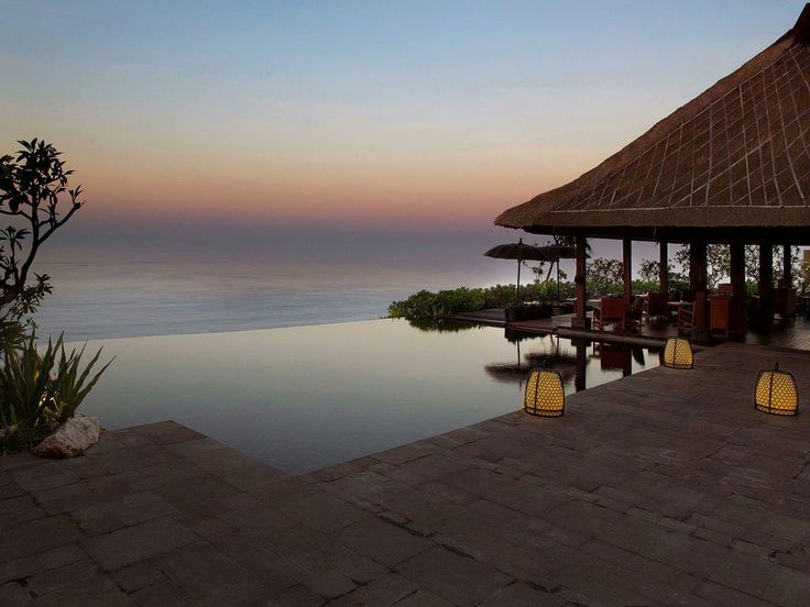 beautiful sight and romantic scenery in bulgari hotels in bali