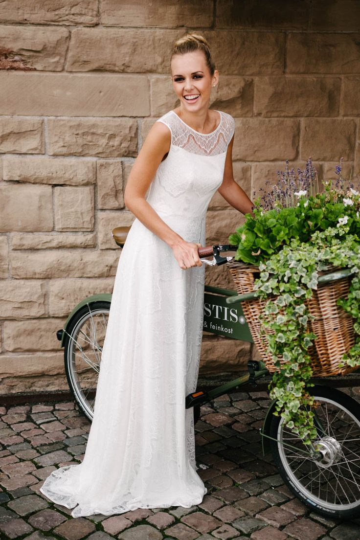 69 best images about Brautkleider on Pinterest | Bayern, Rembo ...