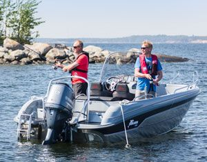 This practical and spacious recreational boat handles well in rough weather and is ideal for fishing expeditions, day cruising and coastal connections.