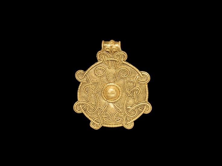 Viking Large Gold Pendant with Interlace - Lot No. 1003