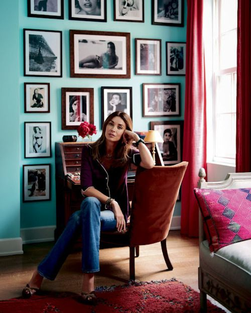 olatz is lovely... colors of this room even more so: Interior, Blue Wall, Wall Color, Photo Wall, Living Room, Gallery Wall, Turquoise Wall