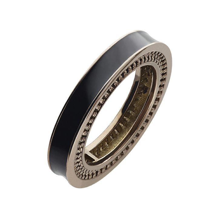 Oxettissimo Black Ring - Available here http://www.oxette.gr/kosmimata/daktulidia/stainless-steel-rosegold-plated-ring-black-oxette680l-1/    #oxette #OXETTEring #jewellery