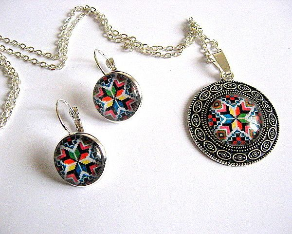 Set model popular romanesc, culori vii, bijuterii femei - cadouri Paste