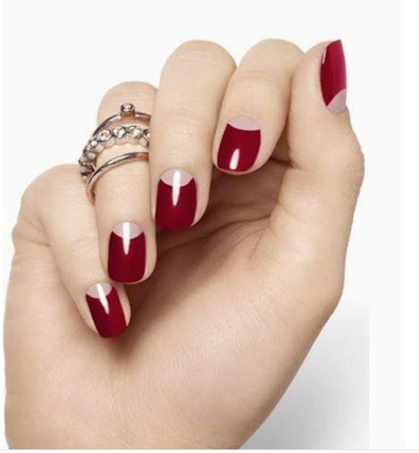 As unhas francesinhas invertidas se tornaram queridinhas entre as mulheres. A diferença nesta unha e que a cor que estará diferente é a da ...