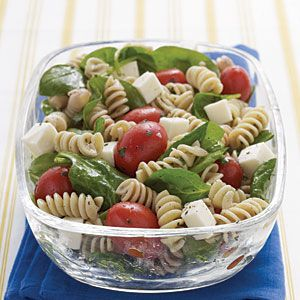 Spinach, Tomato, and Fresh Mozzarella Pasta Salad with Italian Dressing Recipe... Eating this tonight!