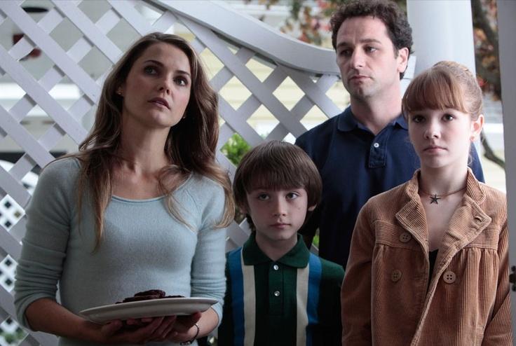 Keri Russell as Elizabeth Jennings, Keidrich Sellati as Henry Jennings, Mathew Rhys as Philip Jennings,  Holly Taylor as Paige Jennings