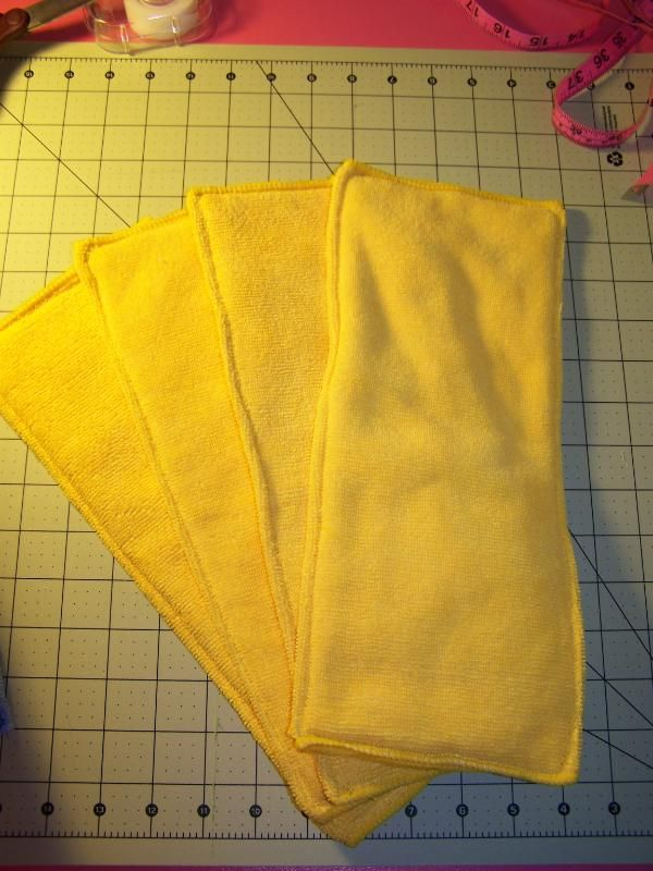 pocket diaper insert-- looks so easy. I'd like to add fleece to one side to make it stay-dry.