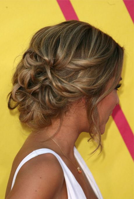 Opsteekkapsel kort haar