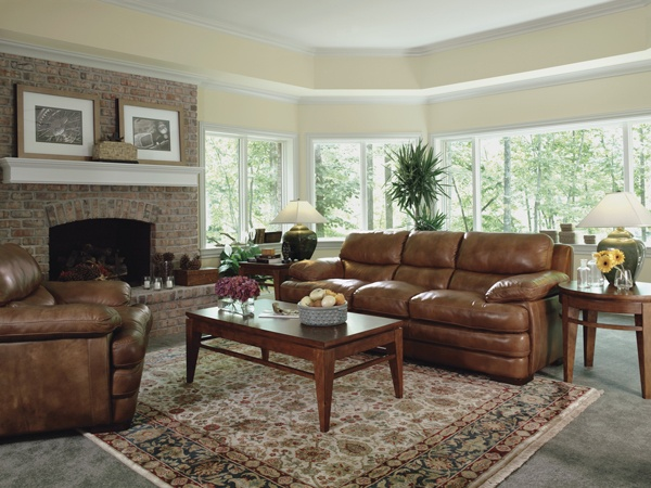 leather 'Dylan' by Flexsteel / http://www.interiors-furniture.com/