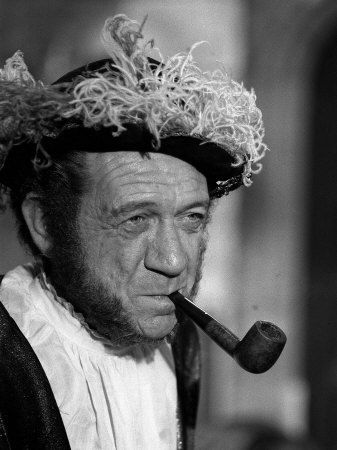 Sid James Plays Henry VIII, Carry on Henry, Filming at Pinewood Studios, 1970