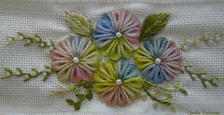 different sewn rick rack flower how to in portuguese