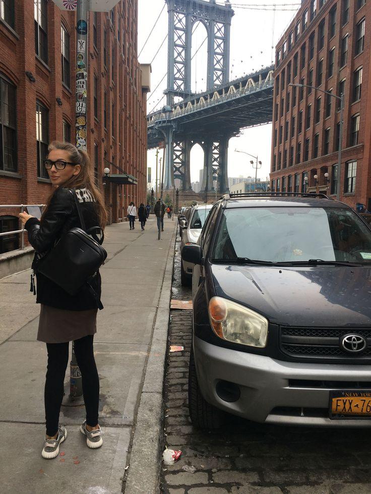 Backpack Moreca Atelier traveling  to New York