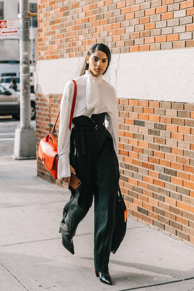 New York Fashion Week. Уличная мода  Финальный уличный стиль недели моды в  Нью-Йорке сезона осень-зима 2018-2019 9a36c83e53a