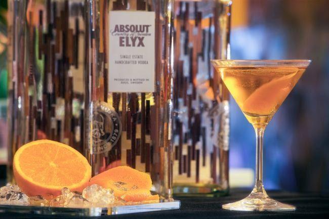 Coctelería con Vodka Absolut Elyx