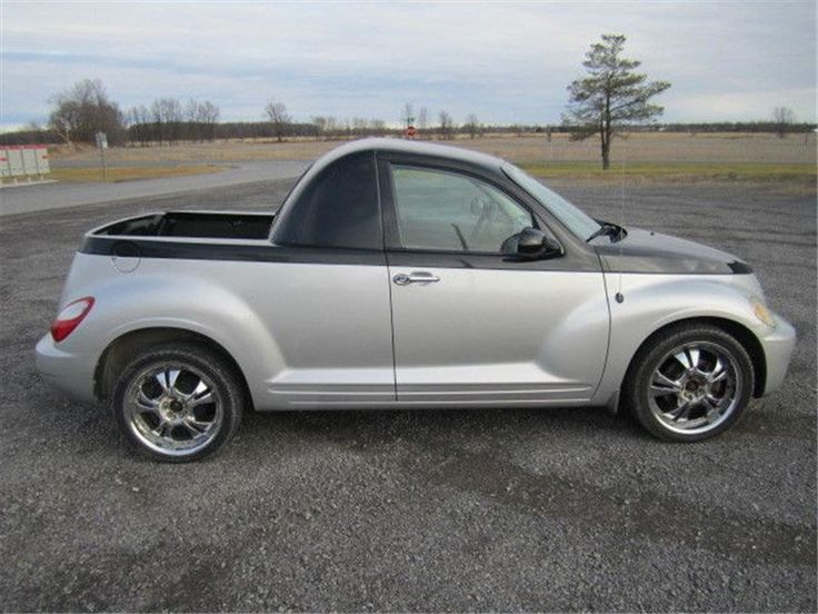 """Car - 2006 Chrysler PT Cruiser Custom in MOUNTAIN, ON  $5,900"""