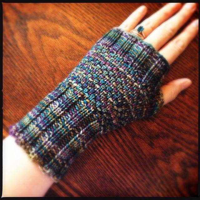 Loom knit linen stitch mitt.