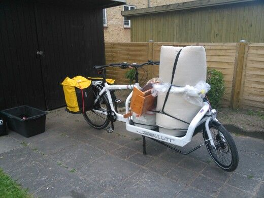 Bullitt milk plus cargo bike on the way to the recycling centre
